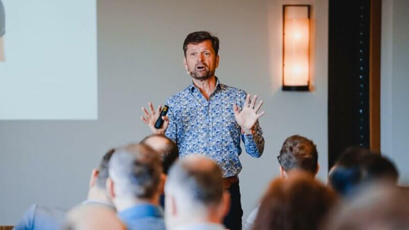 Guus Krabbenborg am YAVEON Kundentag